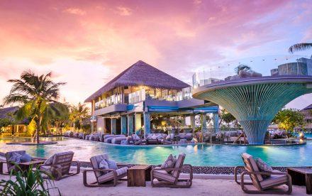 Dreamlike sunset over Finolhus Beach Club