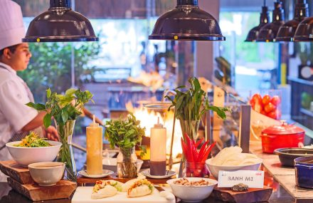 live cooking with buffet at baa baa beach diner
