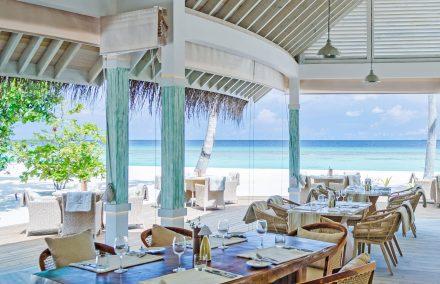 open air beach diner