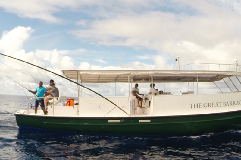 Viajes de pesca con el the great barracuda barco