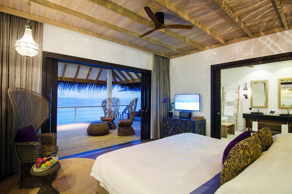luxury resort Finolhu maldives rooms lagoon villa sleeping with view