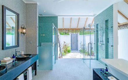 el lujoso baño de la Beach Villa