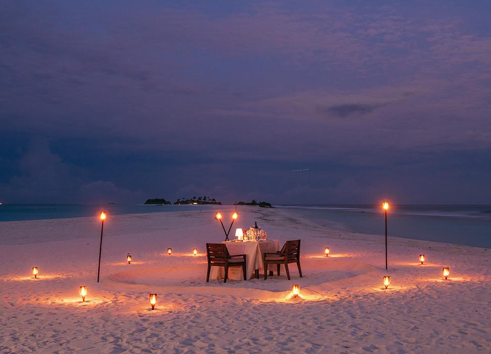 cena privada en la playa especial en finolhu