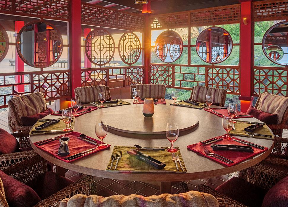 Luxury dinning at Kanusan