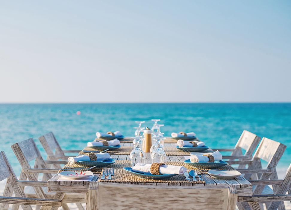 Beach dinning at Fish & Chrab Shack