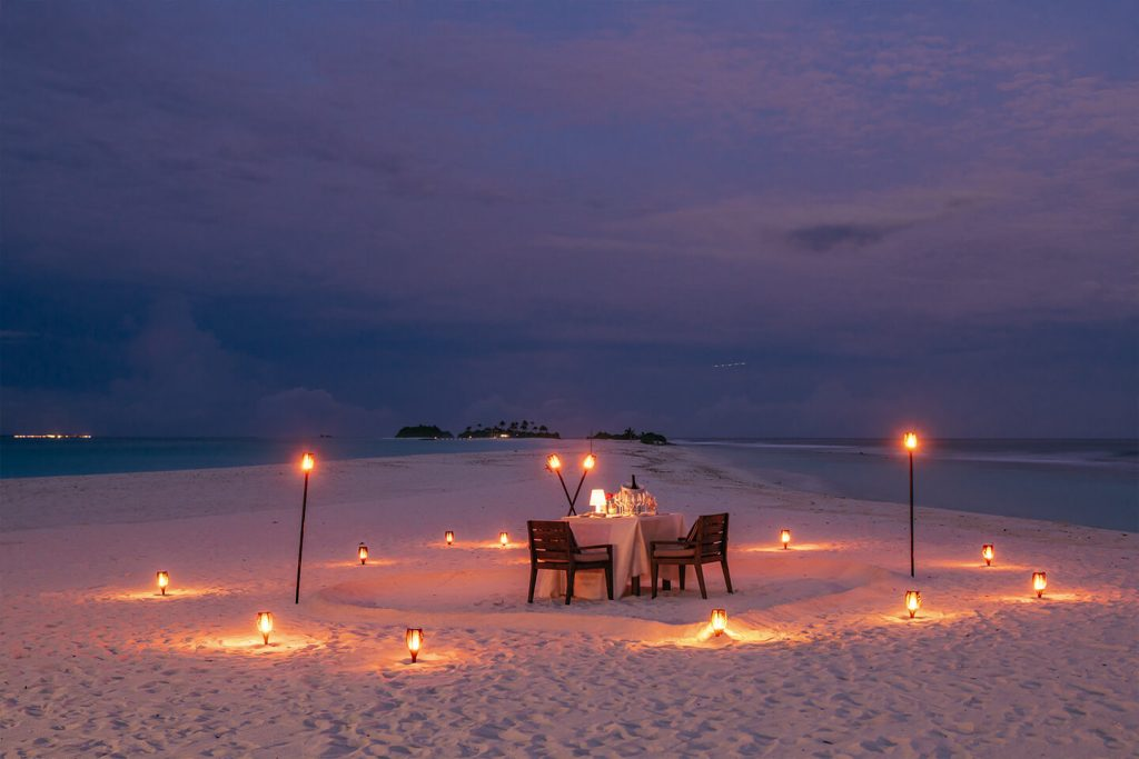 Honeymoon package at finolhu maldives