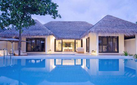 Villa en la playa con dos dormitorios y una gran piscina
