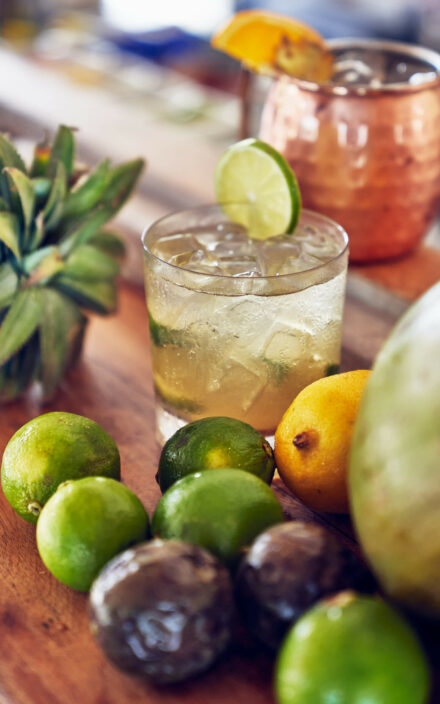 Leckere Drinks und Früchte an der Crab Shack Bar